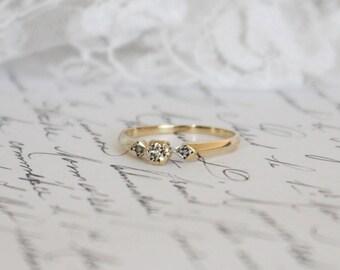 9K Yellow Gold Vintage/Antique Diamond Trilogy Ring, Art Deco, 9ct