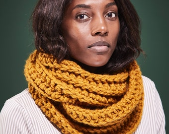 Ready to Ship Scarf Womens Infinity Scarf Chunky Knit Scarf Circle Scarf / Choose from Mustard or Blue // Free Shipping