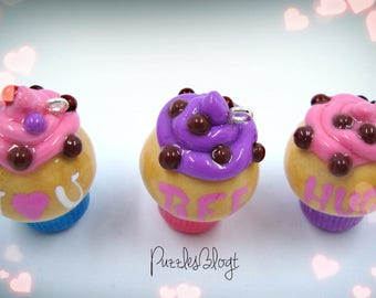 Love message Cupcakes kawaii//handmade charm//jewelry pendants made of Fimo//Valentinstag
