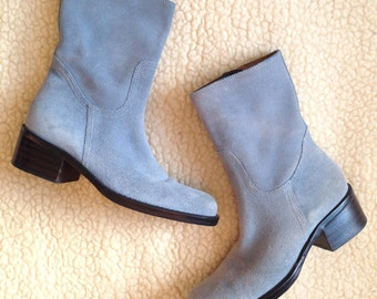 90s Sky Blue Suede Block Heel Boot // 1990s Leather Ankle Boots With Chunky Heel And Side Zip //  Size 6.5/7