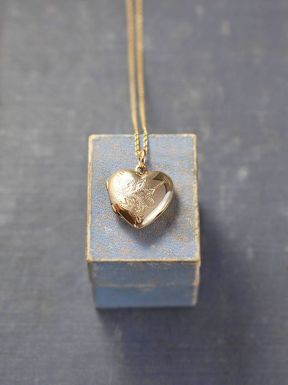 Gold Heart Locket Necklace, 9ct Back and Front Simple Engraved Vintage Photo Pendant - Swirl Whimsy