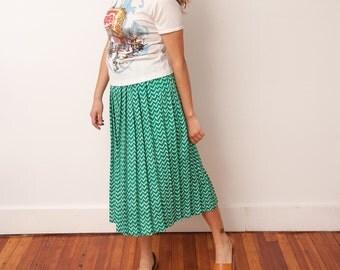 Vintage Green Chevron Printed Skirt - Elastic Waist Pleated Skirt - VTG 80s Skirt - Size Small Medium - Gift For Her