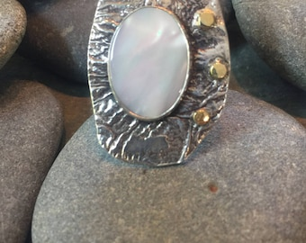 Reticulated Sterling and White Mother of Pearl ring with 18k yellow gold