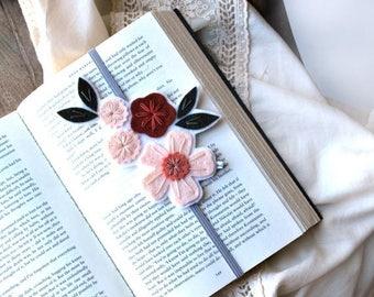 SUMMER SALE Bookmark, Unique Bookmark, Reader Gift, Best Friend Gift, Teacher Gift, Teacher Appreciation Gift, Bookclub Gift, Gift for Bookw