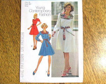"""DESIGNER 1970s Puff Sleeved Dress (Young Contemporary Fashion) - Size 16 (Bust 38"""") - UNCUT ff Vintage Sewing Pattern Simplicity 7130"""