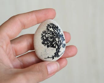 Tree of life ~ Handpainted beach stone Painted Rocks/stones Office/Desk Decor Home decoration Gift for nature lovers Ink drawing original