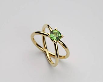 Prong Solitaire Ring, X Ring Green Gemstone, 18k Solid Gold, Green Peridot Ring Size 8.5 6.5