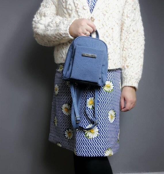 90s mini backpack / light blue 90s rucksack / faux denim backpack / petite backpack purse / 90s vintage back bag / 90s grunge / small purse