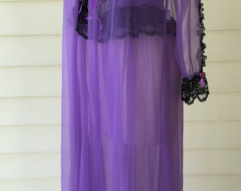 Vintage Pegnoir Set Long Gown and Robe Bernette New York/Purple Chiffon and Black Lace/Small/1960s 70s/Negligee/Glamour/Sexy/Honeymoon