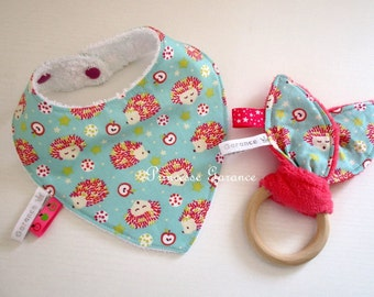 Mini baby box - bandana bib + rattle bunny ears