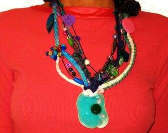 Of Bohemian chic green pendant, bib, beads, plastic, wool, lightweight, wife, daughter, handmade, Unique, Original