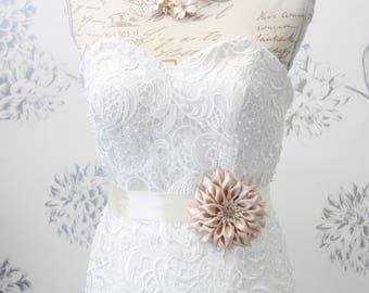 Flower wedding dress belt Bridal Sash | Floral bridal belt Dahlia wedding belt Dahlia floral sash Free Shipping flower belt choice of color