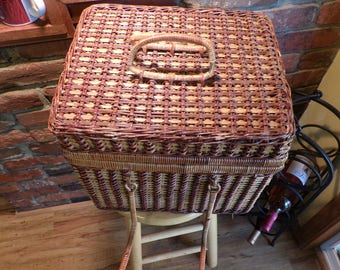 Wicker Picnic Basket, Vintage picnic basket, 1970's prop, large wicker picnic basket, picnic basket, Family picnic basket, large basket