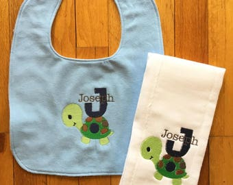 Baby Bib/Personalized Burp Cloth for Baby Girl or Boy/Personalized Bib for Baby Girl or Boy/Personalized Baby Item/Turtle Bib/Burp Cloth