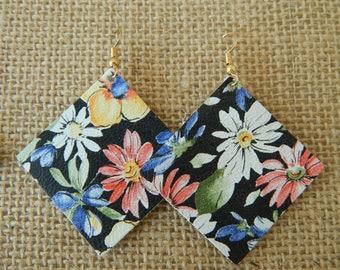 Floral leather earrings, beach boho earrings, organic jewelry, summer fashion, handmade earrings, dangle earrings, festival chic