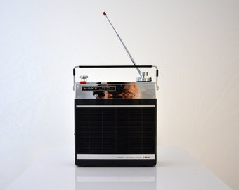 Vintage Sony Radio Solid State / FM-AM / 11 Transistor / modele7F-74DL / portable radio or car stereo 1960s