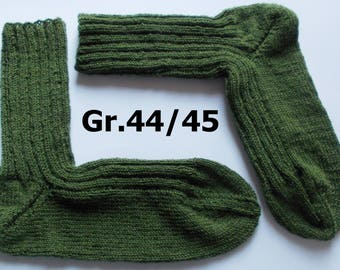hand-knitted socks, Gr. 44/45 (EU), oliv-green