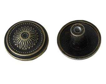 brass tone handle round flower pattern