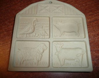 The Pampered Chef Farmyard Friends Cookie Mold