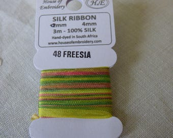 House of Embroidery collar FREESIA 48 4mm Silk Ribbon