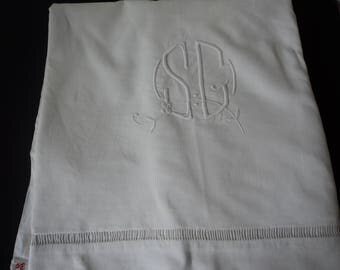 French vintage metis linen bed sheet with embroidered initials S & G (05562)