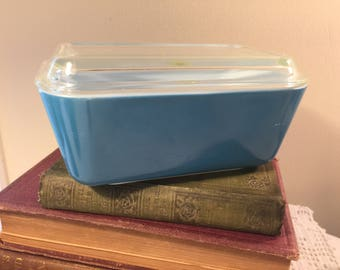 Pyrex  Horizon blue refrigerator box with lid 502 - vintage pyrex fridgie - blue pyrex fridgie - primary set 502 with lid - pyrex 502 blue