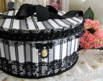 Box satin black and ivory Victorian style