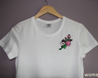 T-Shirt with Flower Patch black/white Men/Women