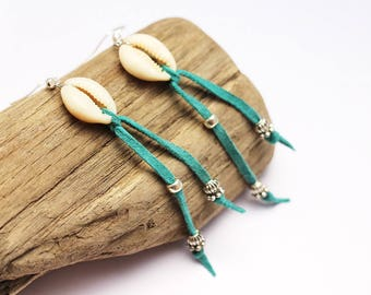 """Earrings """"Cowrie"""" Turquoise leather fringe"""