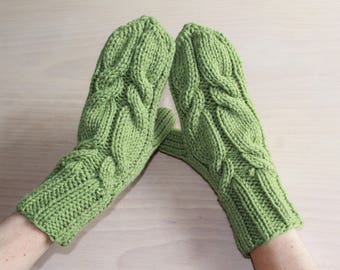 Womens green cable knit mittens