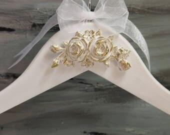 Bride Hanger, Wedding Dress Hanger, White and Gold Bridal Hanger, Custom Color Personalization, Bridesmaid Hanger, Wedding Gown Hanger, Gift