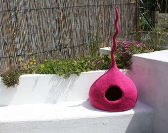 """Cat Cave """"Shade Pink"""", Cat Bed, Cat House, Pet Furniture. Hand-Felted (with olive oil soap) 100% Wool - Ready to ship- MADE IN ITALY"""