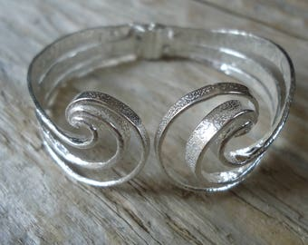 925 Silver hammered Cuff Bracelet inspired by the waves of the sea, spring bracelet