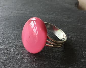 Large pink ring, dusty pink ring, rose pink ring, gift for her, dusty pink jewellery, pink ring, glass ring, adjustable ring, statement ring