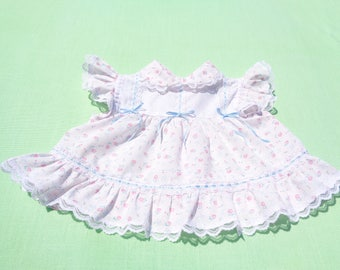 vintage cradle togs baby girls dress size 9 months see measurements white with ribbon and lace trim floral design