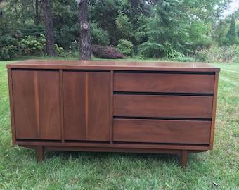 Mid Century Modern, Stanley Credenza, Mid Century Sideboard, Stanley  Distinctive Furniture Buffet,