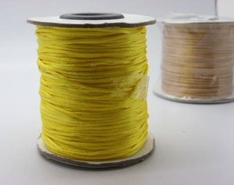 1 spool of 25 m lemon yellow with 25 meter 1 mm cotton waxed cord