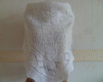 """SALE! Vintage Orenburg Shawl, Rusian Shawl, Warm Scarf, Creamy White shawl, Goat Down, 39.5"""" x  39.5""""  ( 100 cm x 100 cm )"""