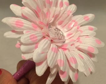 Princess Pink Polka Dot Daisy Flower Pen / Bridal Sower Gift, Baby Shower Favor or Teacher Appreciation Gift