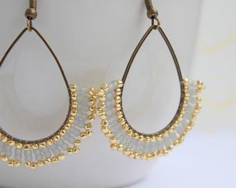Handgearteite Pendant earrings Grey/gold