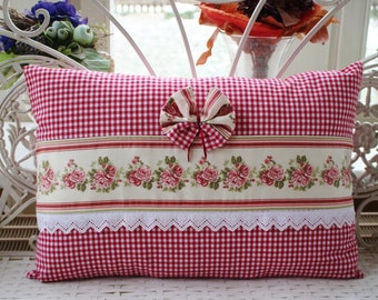 Pillow cover in the country house style