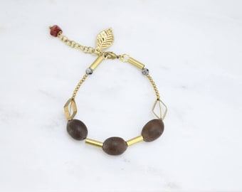 MACAS M24 • bracelet with seeds, stones, decorative sheet