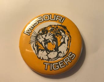 Vintage 70's Missouri Tigers Pin / University of Missouri