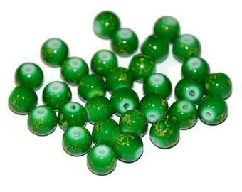 green glass spotted yellow 8mm 10 beads