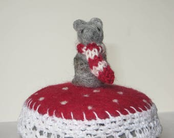 Felted tin, Winter Deco, felted and crocheted