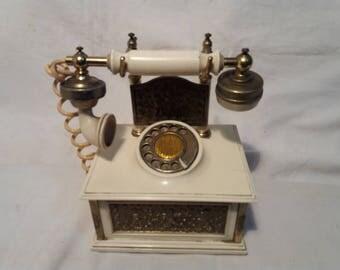 Vintage Portable Mini Radio.Made in JAPAN