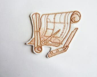 Applique badge patch fusible embroidery scroll and nautical compass
