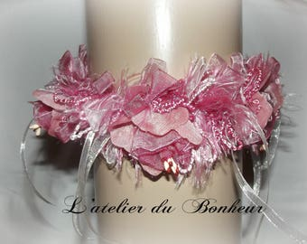 very nice garter in shades of pink and ivory Ribbon
