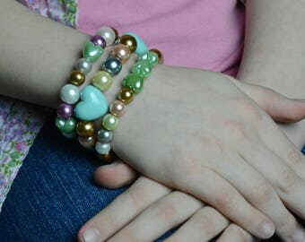 Child's Easter Bracelet Set Acrylic Bead Set with Hearts Age 7-9