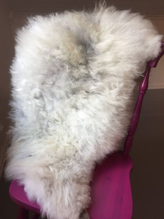 Sheepskin rug supersoft throw from Norwegian norse breed medium locke length sheep skin 17182